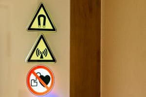 MRT Hinweisschild kein Herzschrittmacher erlaubt